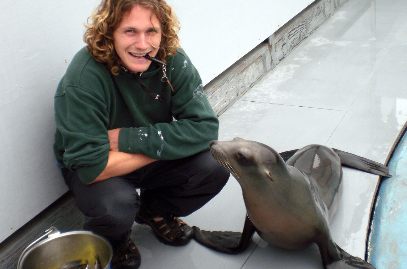 Peter Cook with Ronan at Long Marine Lab NMFS-932-1905MA-009526